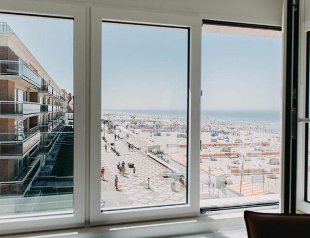 Blick am Meer, Strand und Promenade